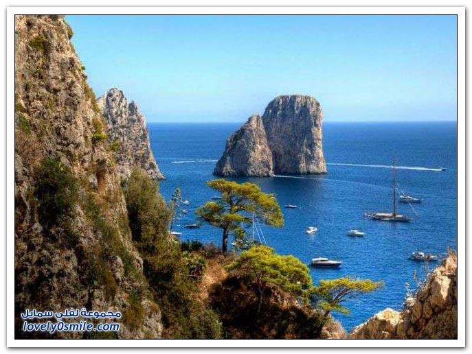 المغارة الزرقاء وسحر جزيرة كابري البحري