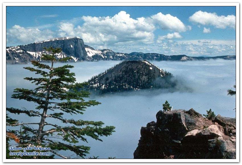 بحيرة في ولاية أوريغون فوهة بركان