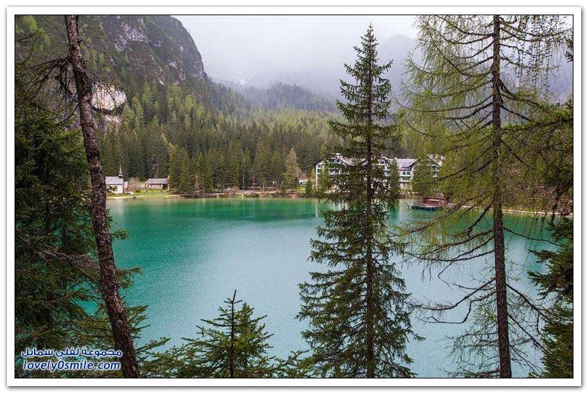 مناظر رائعة لبحيرة Braies الإيطالية