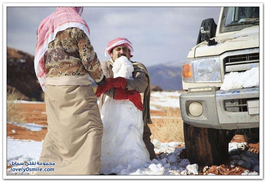 رجل الثلج في شمال المملكة