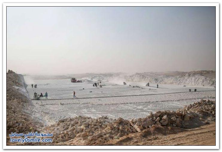 استخراج وصناعة الحجر الجيري من جنوب مصر
