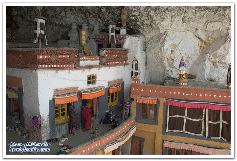 قرية هندية تعيش في قلب الجبل