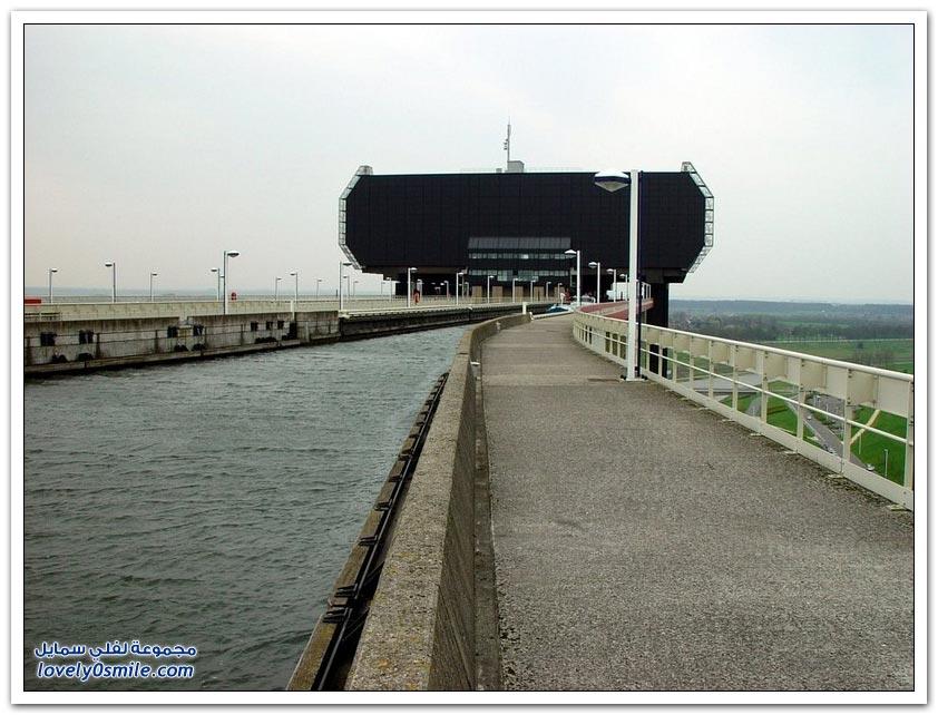 أضخم رافعة قوارب في العالم