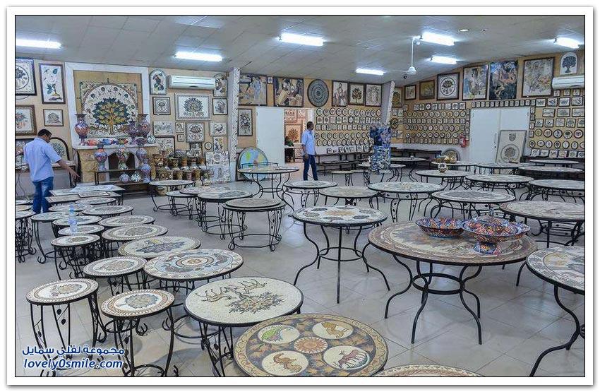 مصنع لجمع الفسيفساء في الأردن