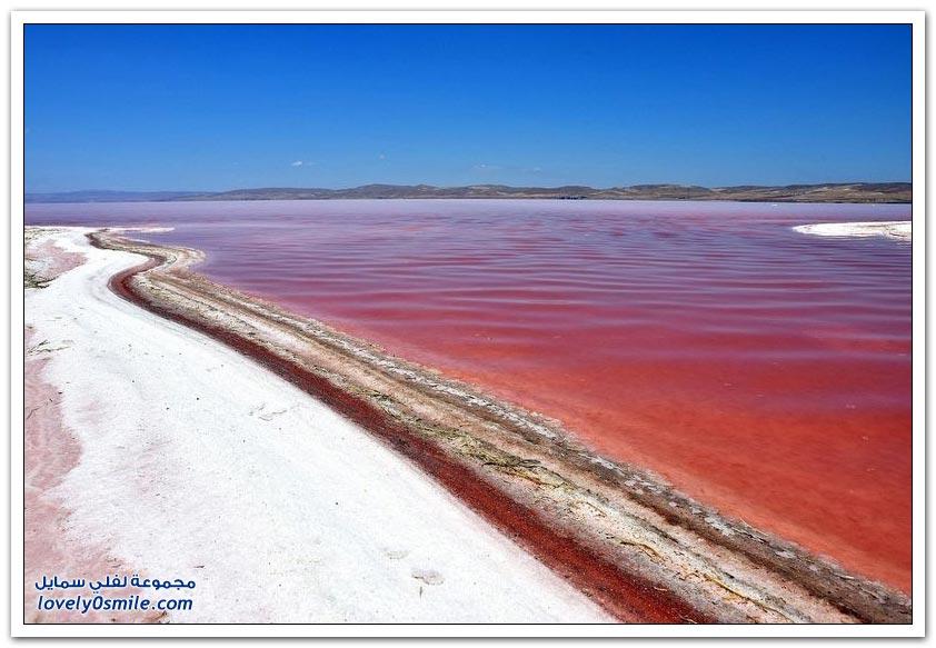 بحيرة طز في تركيا