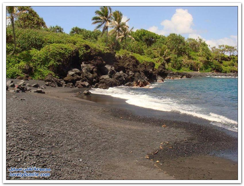 الشواطئ ذات الرمال السوداء