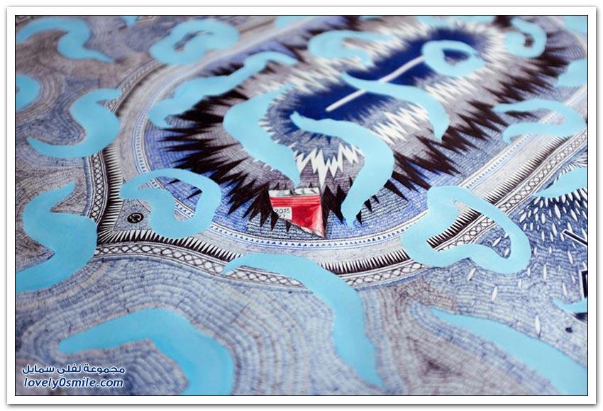 فرنسي يستغرق 15 شهر لتصميم سجادة صلاة ورقية مستخدما قلم رصاص