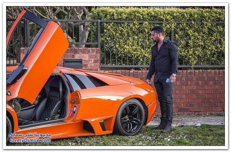 بريطاني يصطدم بسيارته لامبورغيني مورسيلاغو قبل بيعها بدقائق
