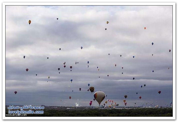المناطيد في عيد البوكيرك تحلق في سماء المكسيك