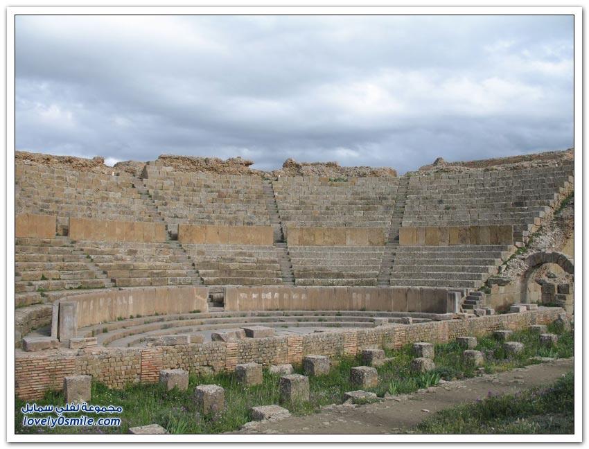 مدينة تيمقاد الأثرية في الجزائر
