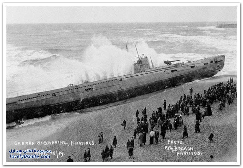 غواصة ألمانية تجرفها المياه إلى الشاطئ