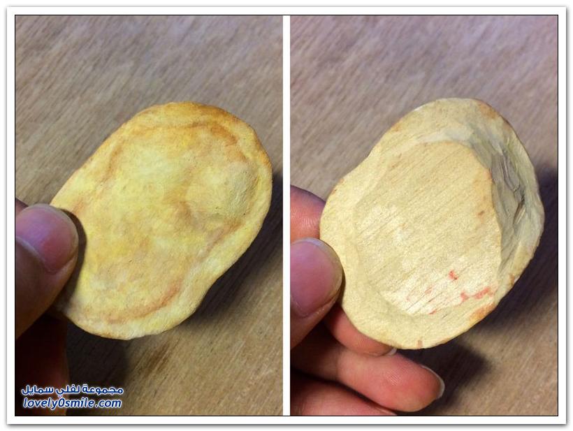 أشكال من الأطعمة منحوتة من الخشب