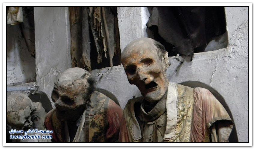 مقبرة تعرض موتاها للسياح