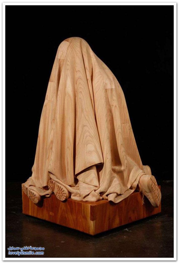 منحوتات مصنوعة من الخشب