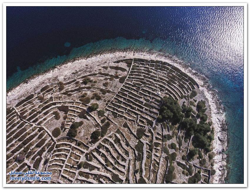 جزيرة كرواتية تشبه بصمة الأصبع