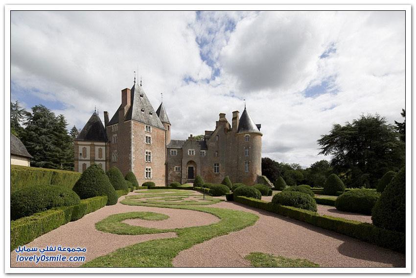قلعة فرنسية فاخرة من القرن الخامس عشر في مزاد بقمة واحد يورو