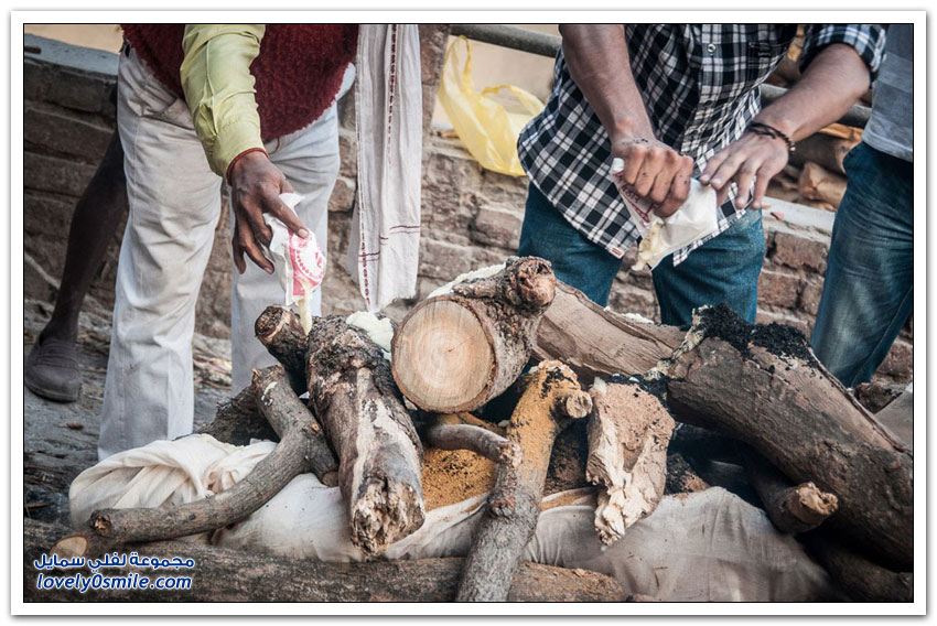 فاراناسي هي مدينة الموت في الهند