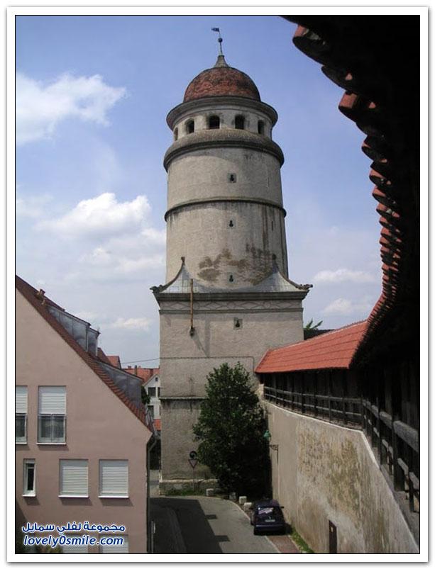 مدينة نوردلينغن الألمانية بُنيت داخل حفرة