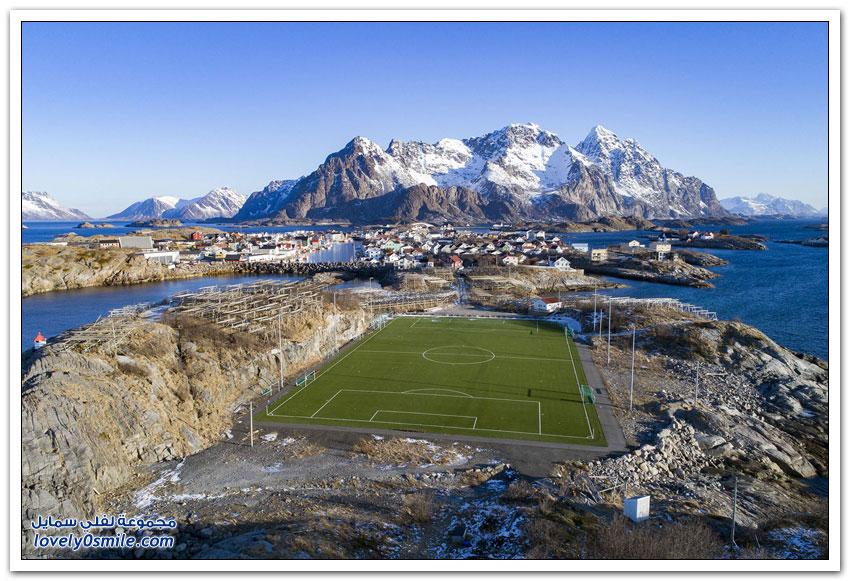 ملاعب كرة قدم حول العالم