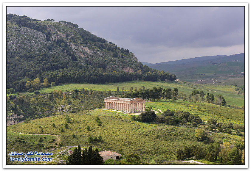 معبد سيجيستا في إيطاليا