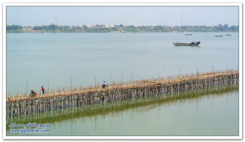 جسر الخيزران في كمبوديا يُفَكك