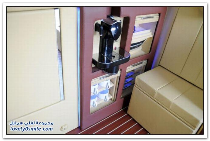 صور: تصميم رائع لمكتب داخل سيارة مرسيدس بنز