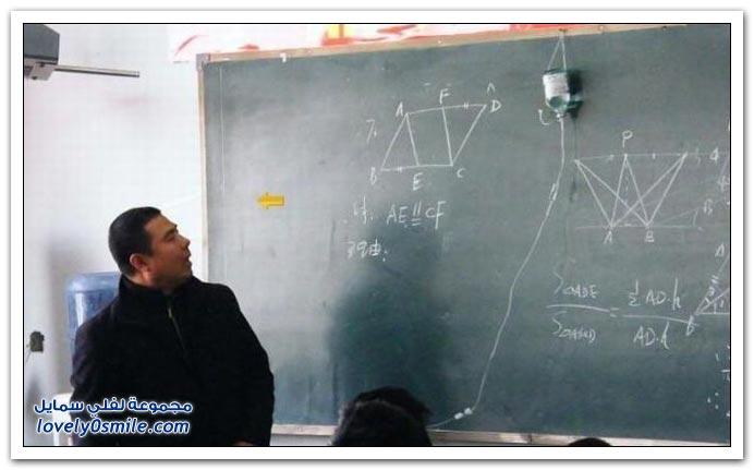صور: إخلاص المعلم الصيني.. حتى وهو مريض يروح يدرس