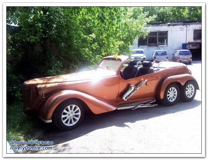 سيارة فخمة وقديمة صناعة روسية