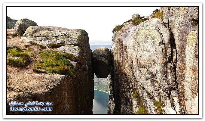 أشهر صخرة مثبته بين جبلين في النرويج