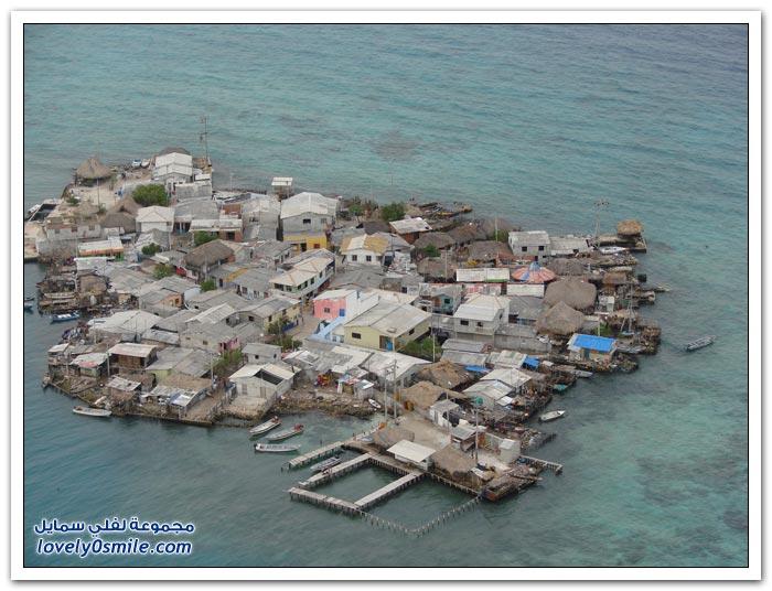 جزر مكتظة بالسكان