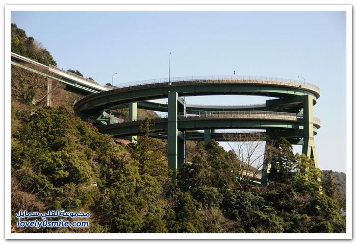Kawazu-Nanadaru Ring-Bridge-in-Japan-Kawazu-Nanadaru-04.jpg