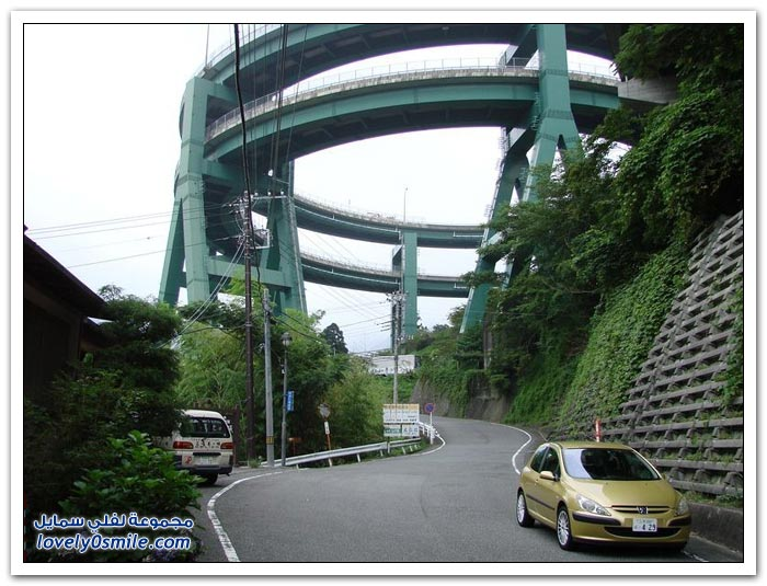 Kawazu-Nanadaru Ring-Bridge-in-Japan-Kawazu-Nanadaru-05.jpg