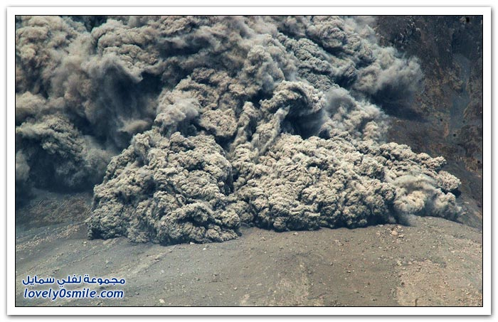 الانفجارات المستمرة في بركان سينابونغ