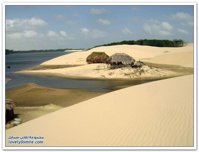 صور فريدة لبحيرات داخل كثبان رملية في البرازيل