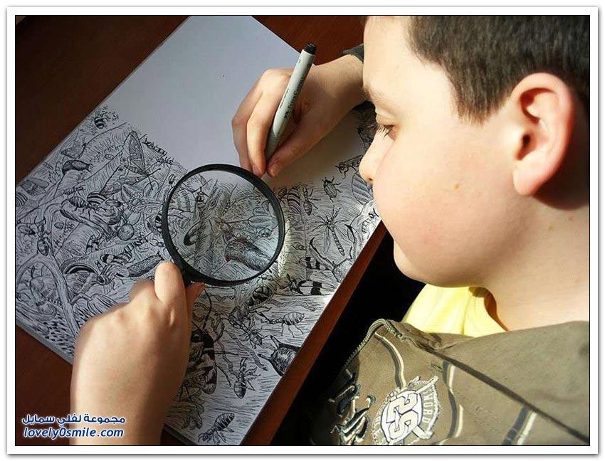 طفل عمره 11 عاما يرسم رسومات تفصيلية مذهلة