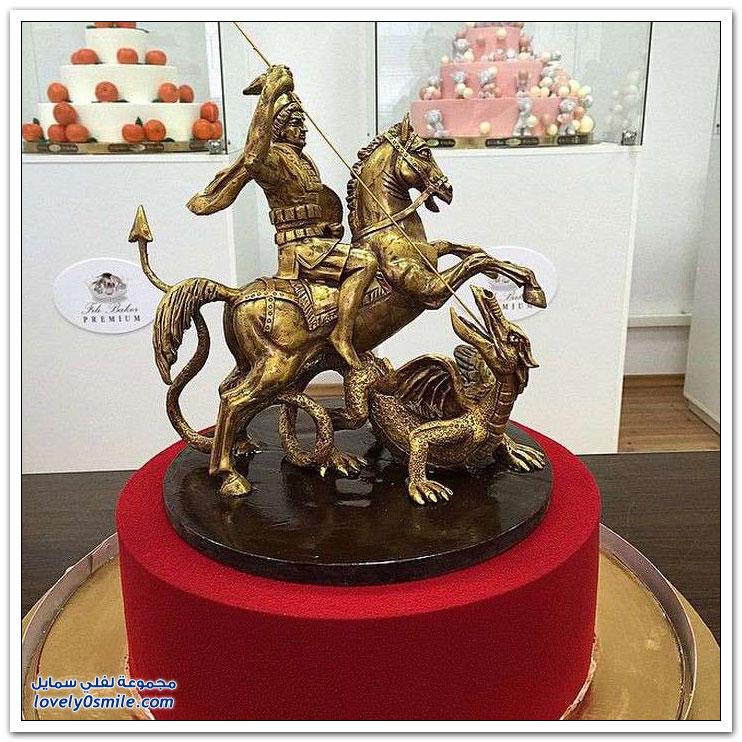 بطل روسيا في الملاكمة يعمل حلواني في صناعة الكيك