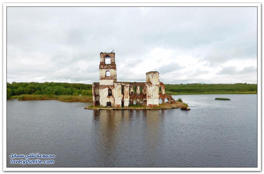 مباني مهجورة من أيام الاتحاد السوفيتي